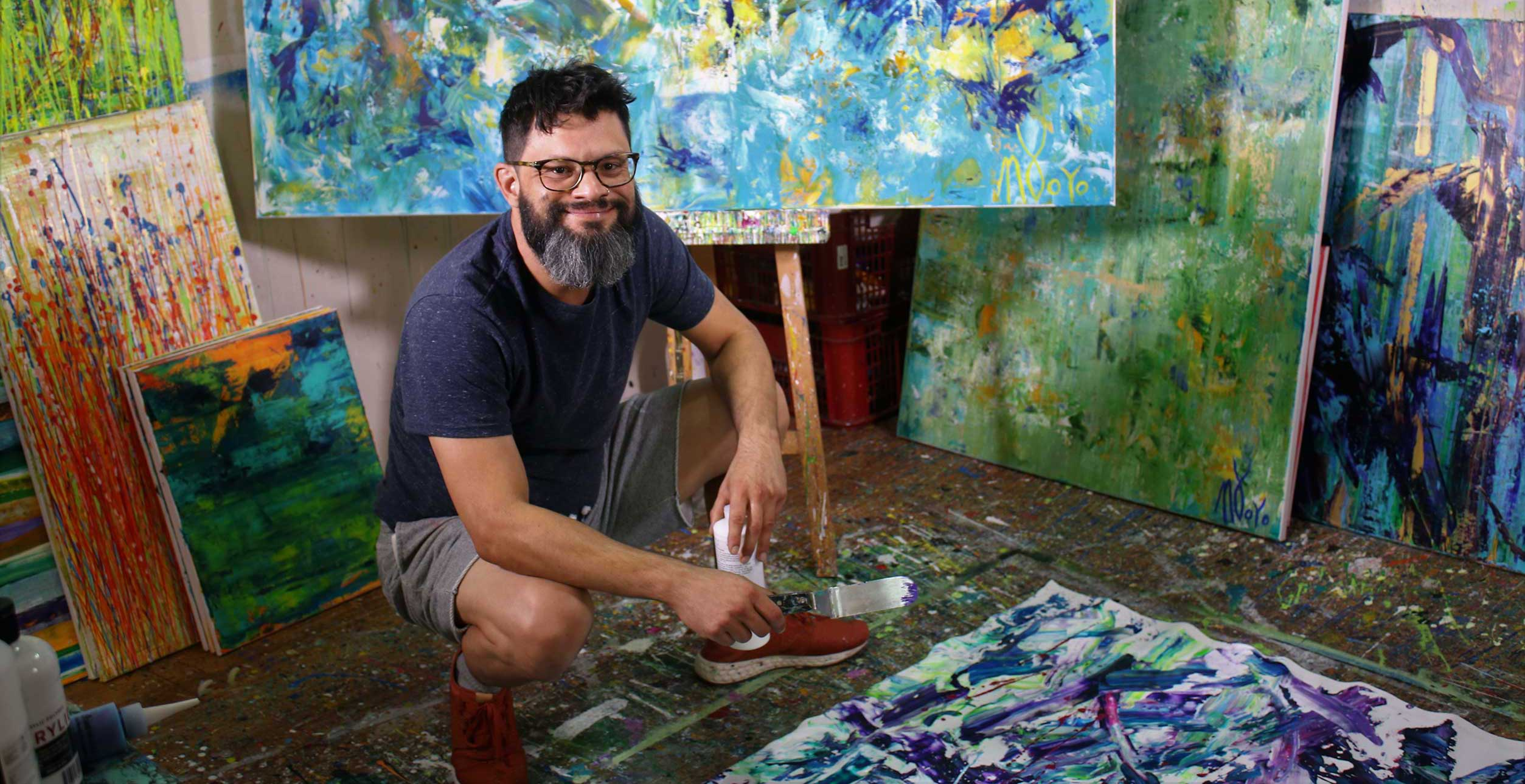 Abstract artist Nestor Toro in Los Angeles studio
